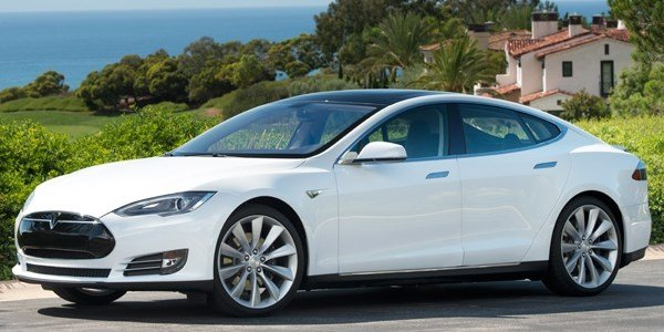 Plus de mille Tesla Model S rappelées
