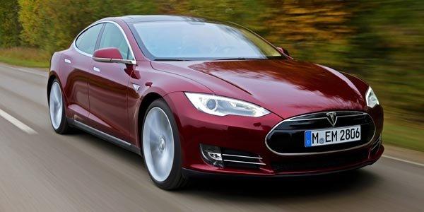 Tesla recrute un ancien d'Aston Martin