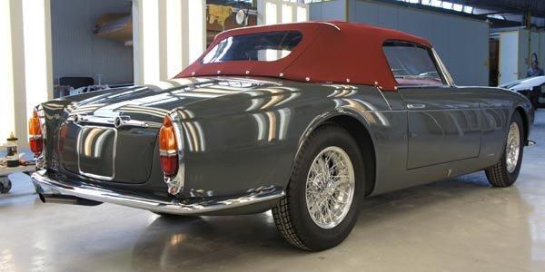 Touring présente deux Maserati à Essen