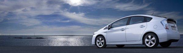 Toyota teste les hybrides rechargeables