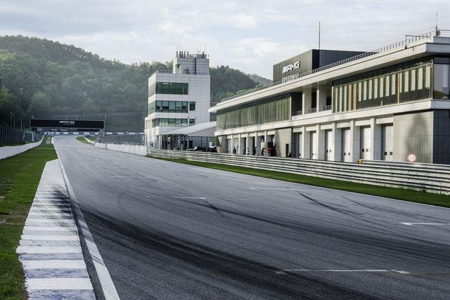 Mercedes-AMG ouvre une piste à Séoul