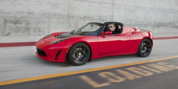 Le roadster Tesla de retour en 2014