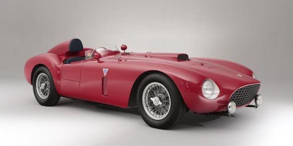 Une Ferrari 375-Plus de 1954 aux enchères