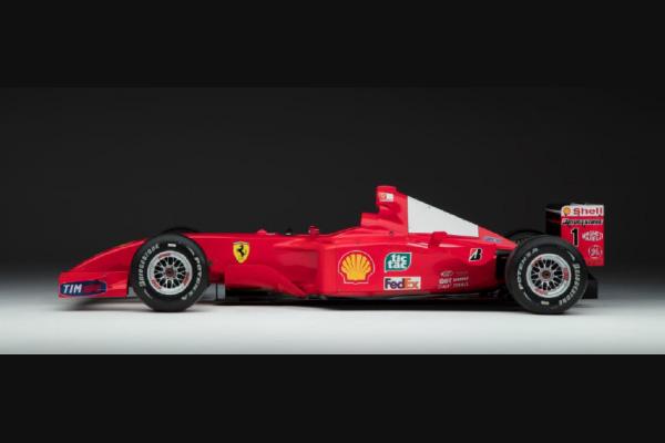 Une Ferrari F2001 ex-Schumacher aux enchères RM Sotheby's