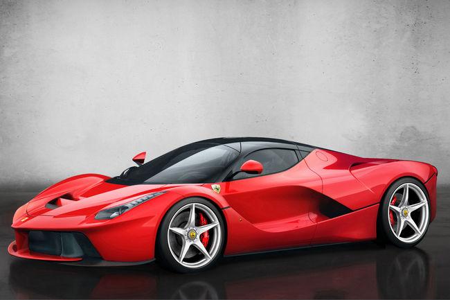 Ferrari : un nouveau modèle hybride en approche