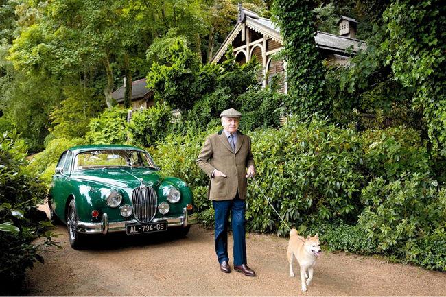 Une Jaguar ex-Yves Saint Laurent aux enchères Osenat