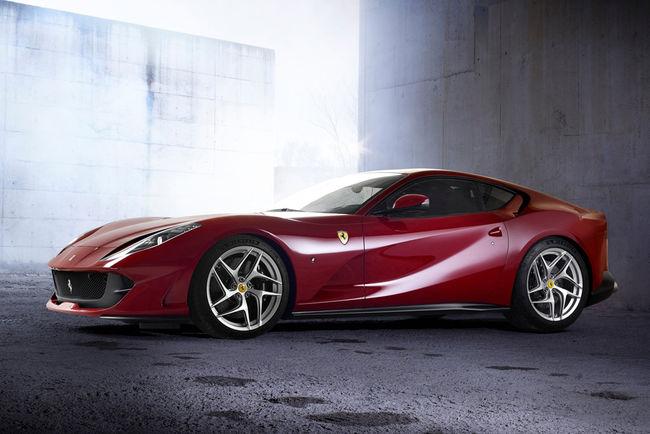 Ferrari tease un nouveau modèle