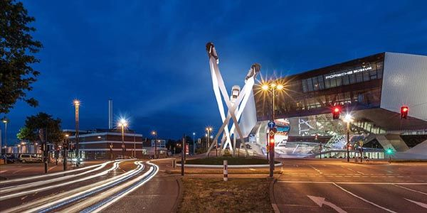 Bientôt une sculpture sur la Porscheplatz