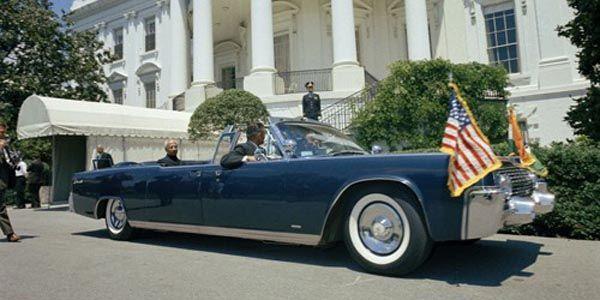 Coys : une Lincoln ex-JFK aux enchères d'Ascot