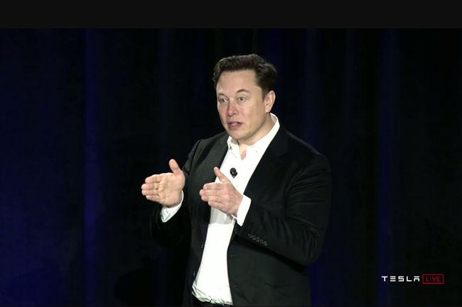 Voiture autonome : les belles promesses de Tesla