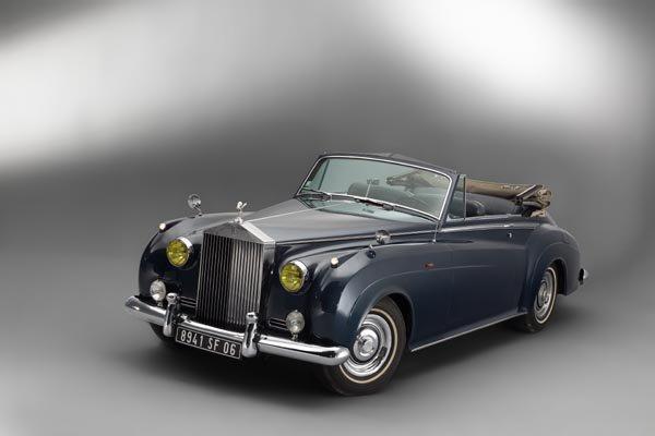 voitures de stars saisir r tromobile actualit automobile motorlegend. Black Bedroom Furniture Sets. Home Design Ideas