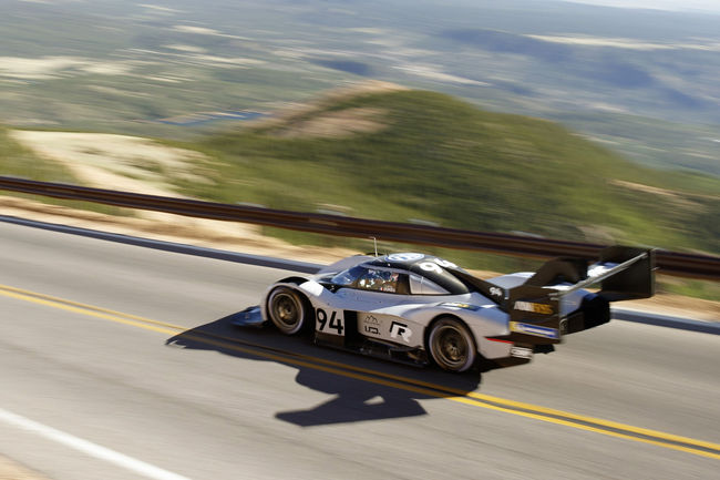 Goodwood : Volkswagen en piste pour le record
