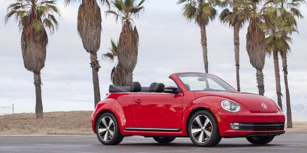 coccinelle cabriolet rouge