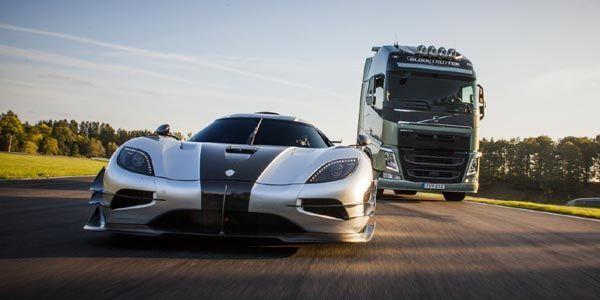 Un tracteur Volvo FH contre une Koenigsegg One : 1