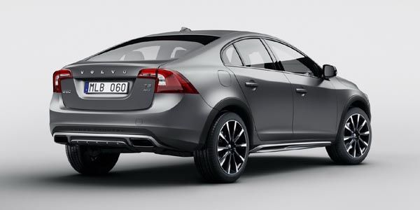 Une version Cross Country pour la Volvo S60