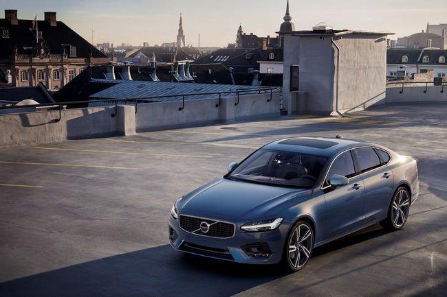 Volvo S90 et V90 R-Design : la sportivité en plus