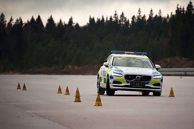 La Police suédoise adopte le break Volvo V90