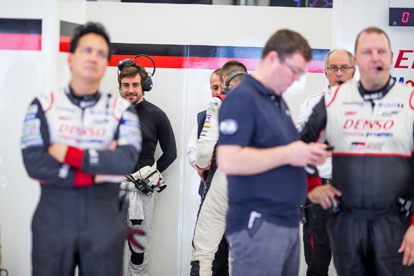 WEC : Alonso a testé la Toyota TS050 Hybrid