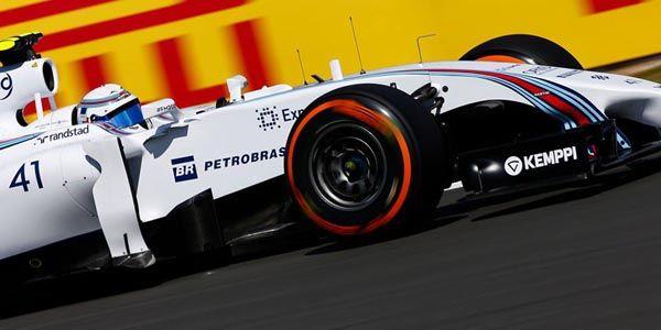 Williams F1 d'hier et d'aujourd'hui en piste à Silverstone