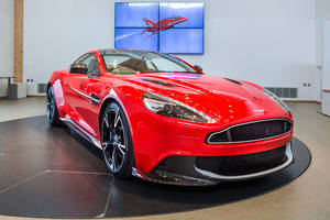 One-off Aston Martin Vanquish S Red10