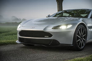 Revenant Automotive offre un relooking à l'Aston Martin Vantage