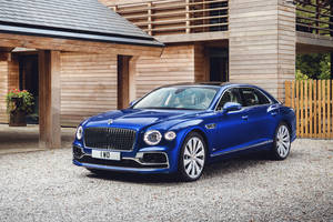 Enchères : une Bentley Flying Spur First Edition vendue 700 000 €