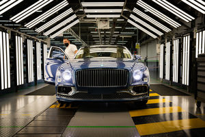 Lancement en production de la Bentley Flying Spur V8