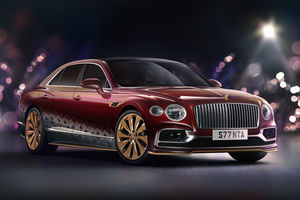 Bentley a créé la Flying Spur V8 du Père Noël