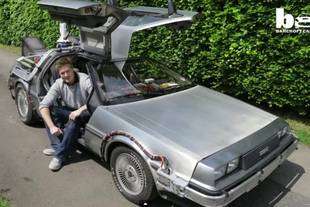 Dans la DeLorean de Marty McFly