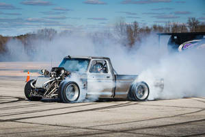 Ken Block : le Hoonitruck en action
