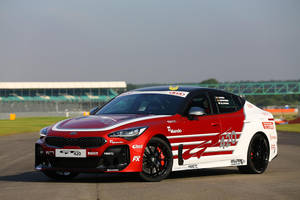 One-off Kia Stinger GT420 : pour le circuit