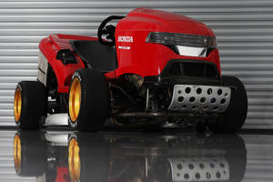 Le Honda Mean Mower is back !