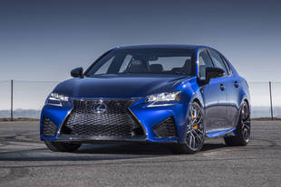 La Lexus GS F en piste à Goodwood