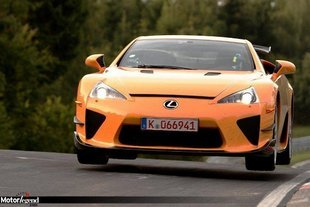 Lexus LFA : officiel, 7'14 sur le Ring