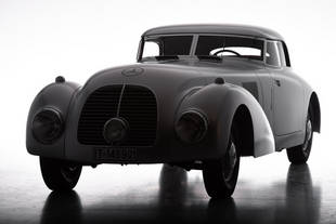 La Mercedes 540K Streamliner revit