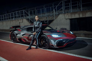Lewis Hamilton assure la promotion de la Mercedes-AMG Project One