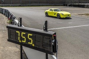 La SLS AMG ED bat le record du Ring