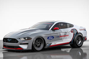 Mustang Cobra Jet 1400 : le dragster électrique de Ford Performance