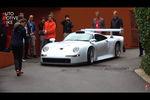 Une Porsche 911 GT1 Strassenversion à la Villa d
