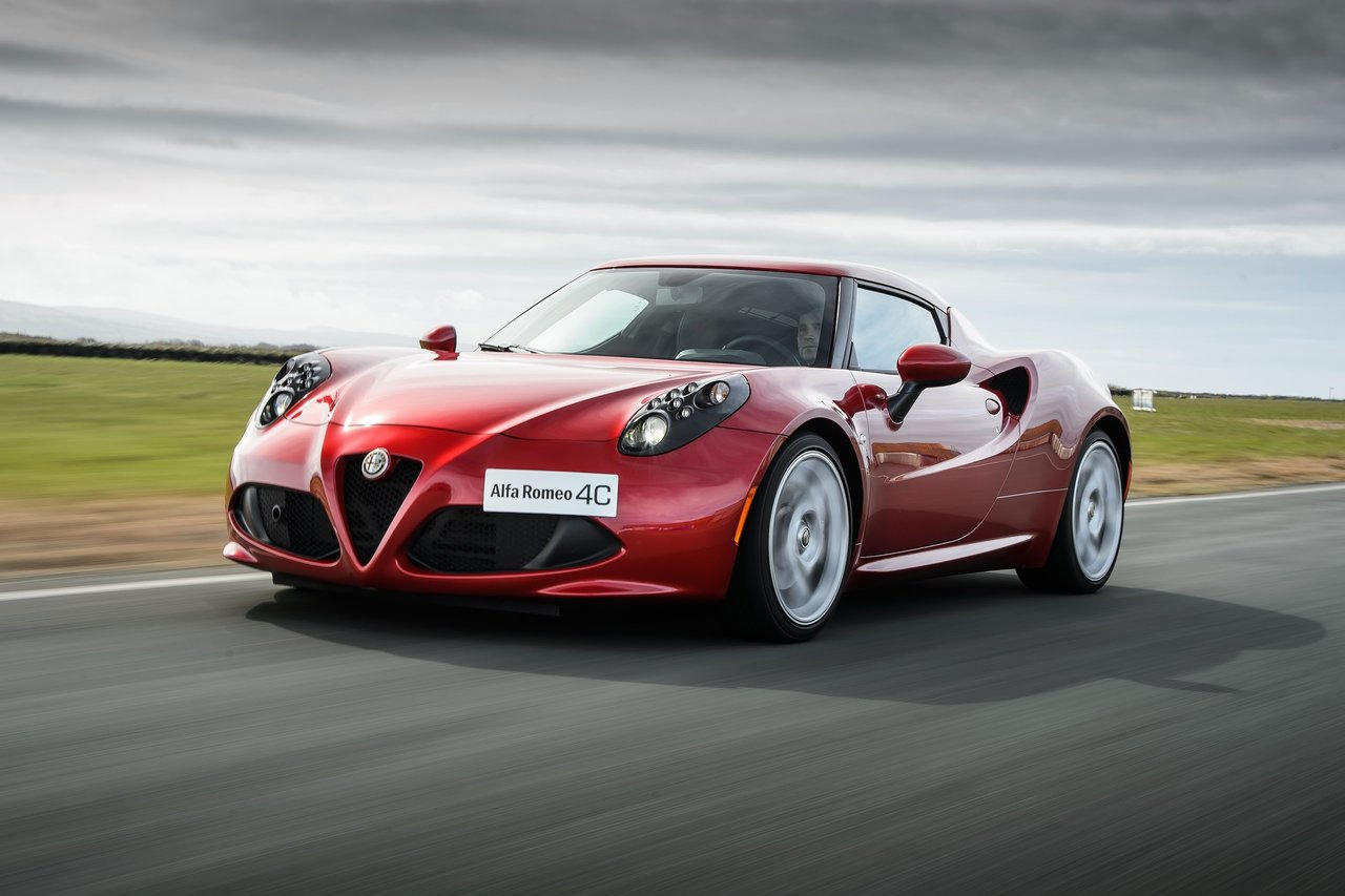 alfa romeo la succession du coup 4c l 39 tude. Black Bedroom Furniture Sets. Home Design Ideas