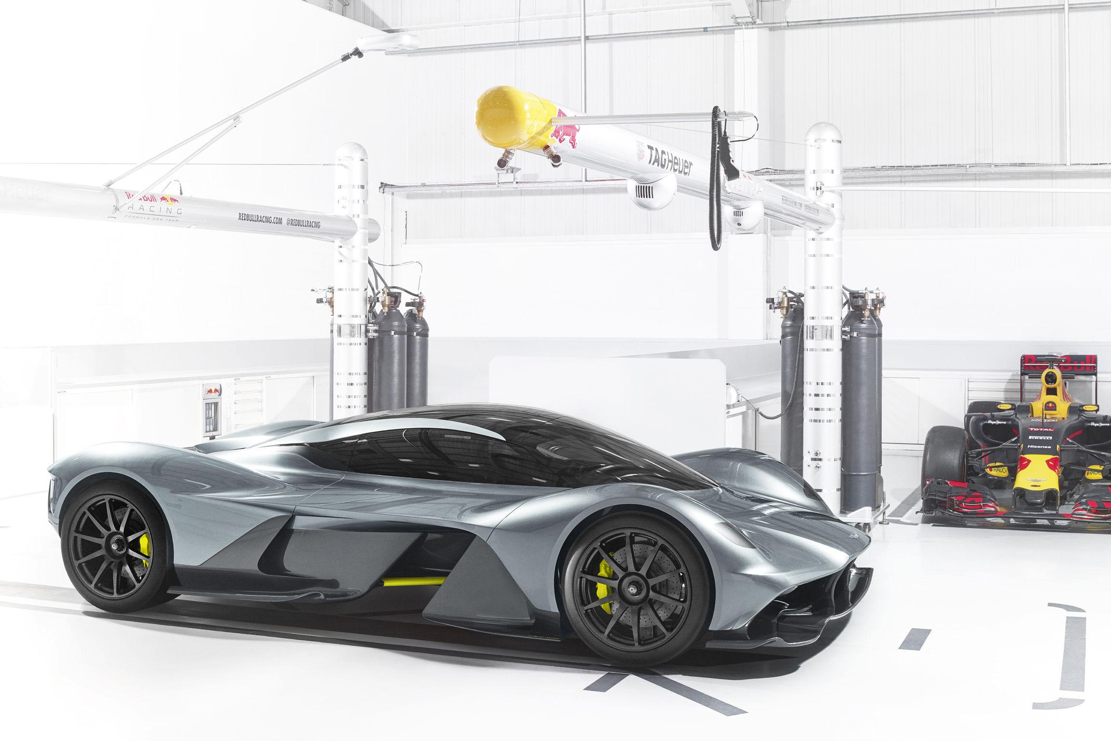 L'hypercar AM-RB 001 à un nom — Aston Martin Valkyrie