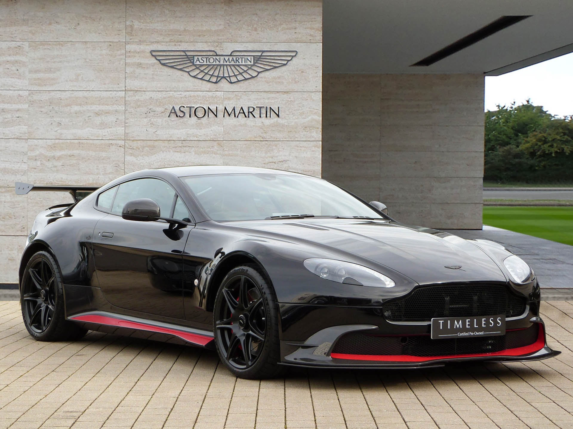 a vendre aston martin vantage gt8 actualit automobile motorlegend. Black Bedroom Furniture Sets. Home Design Ideas