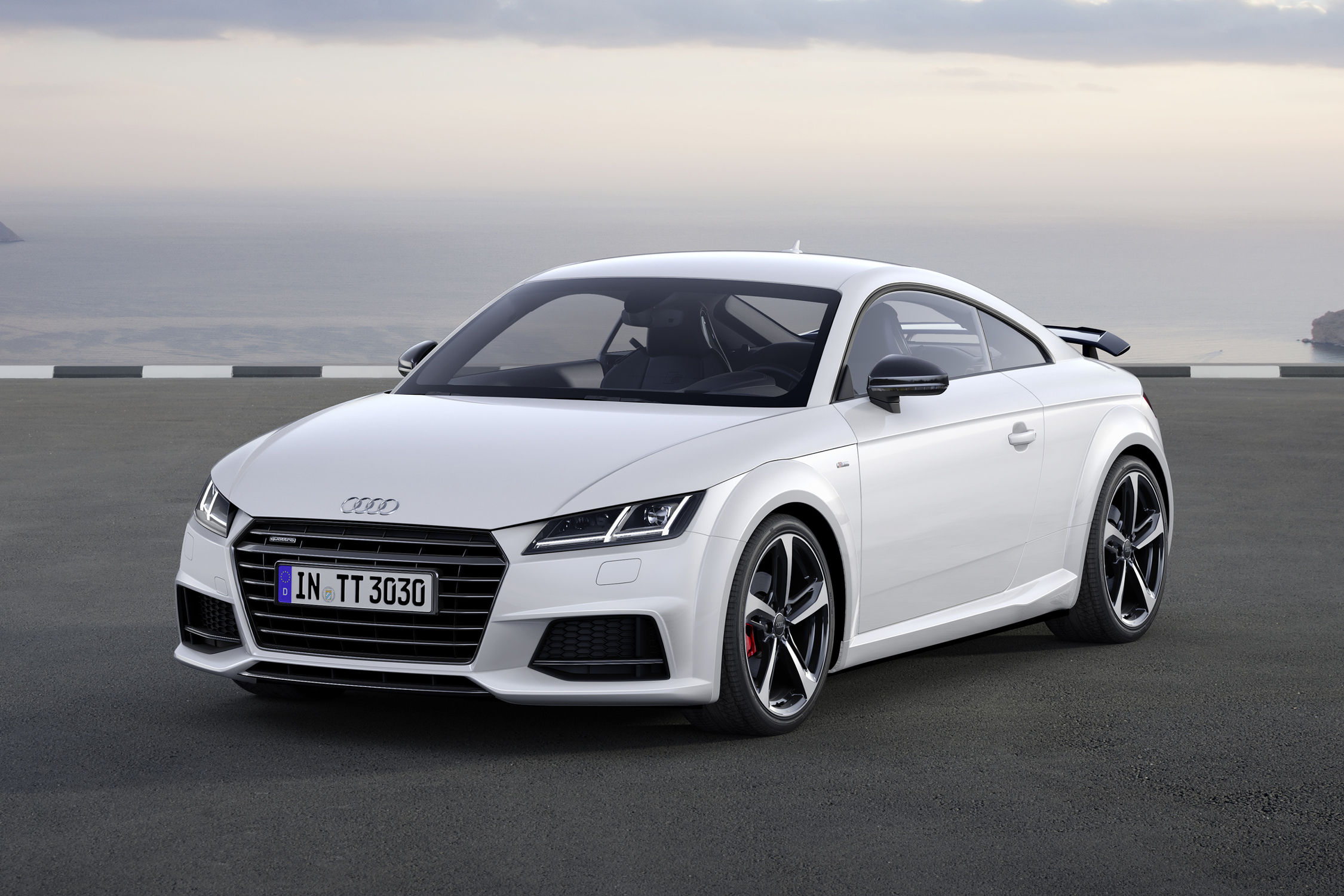 Audi tt coupe 2016 white