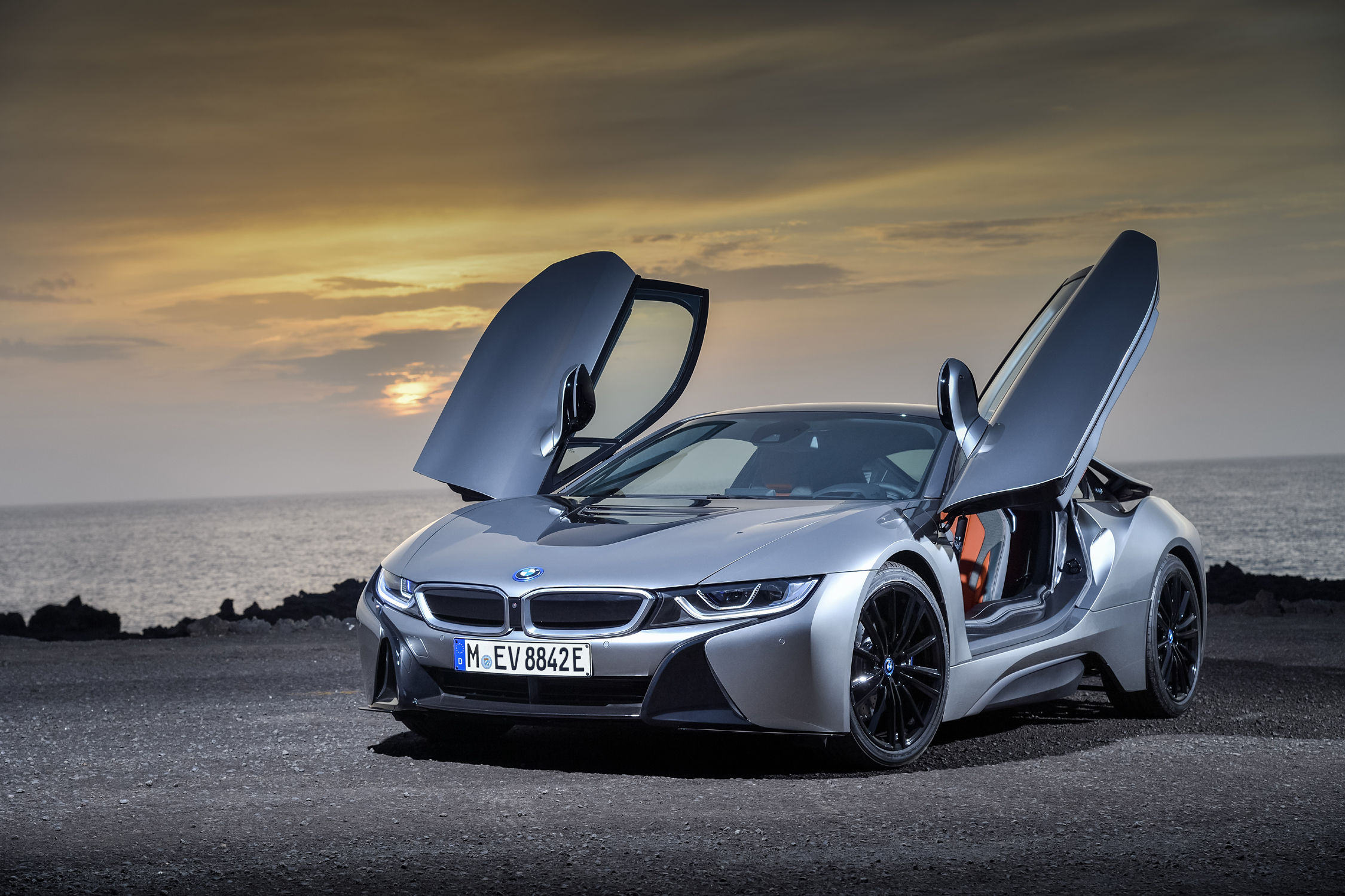 bmw i8 coup et roadster 2018 actualit automobile motorlegend. Black Bedroom Furniture Sets. Home Design Ideas