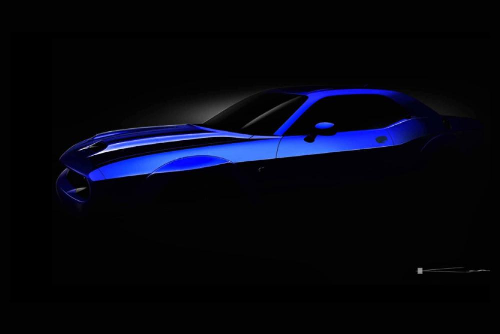 Dodge Challenger SRT Hellcat restylée : en mode teasing