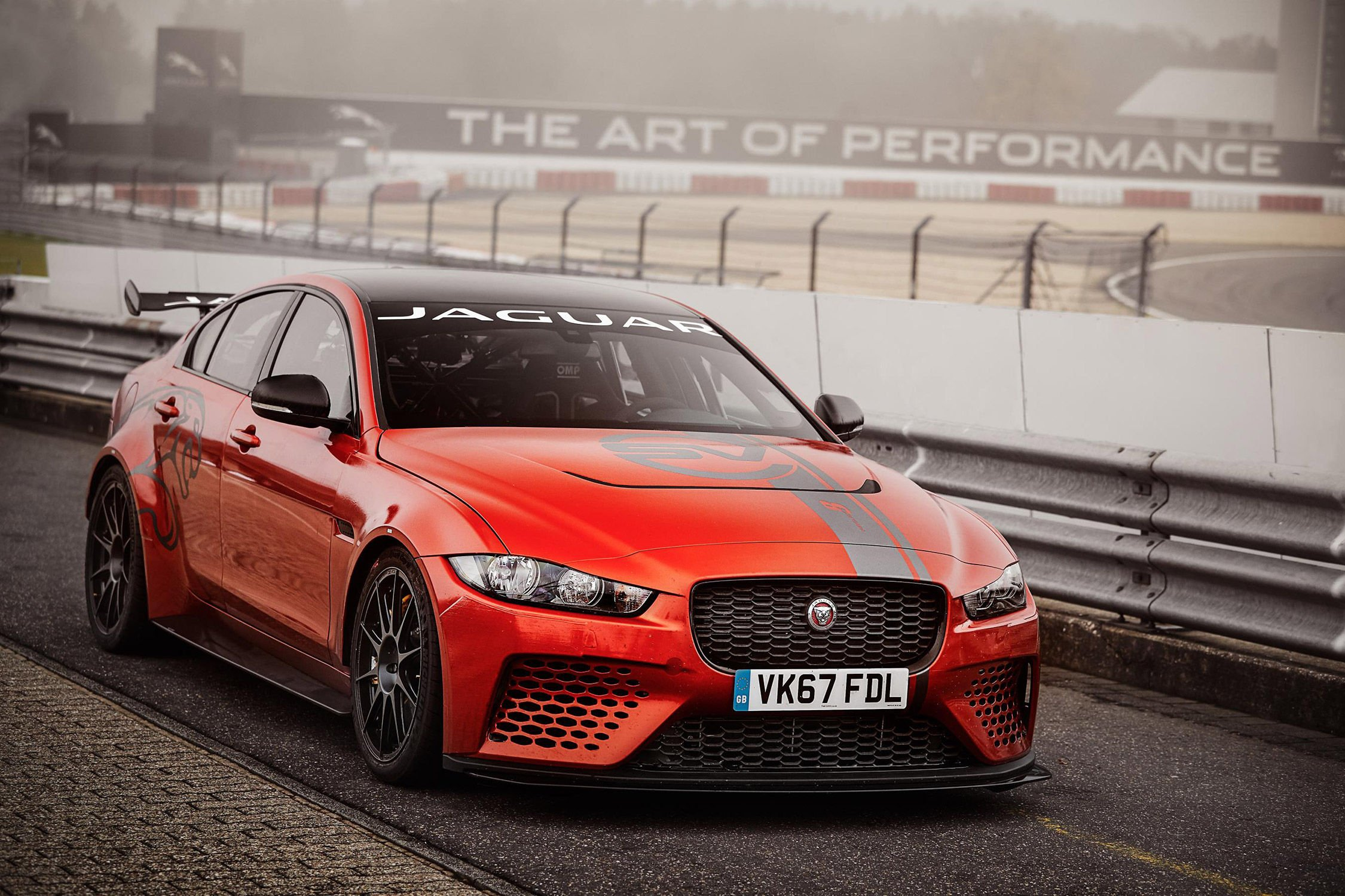jaguar xe sv project 8 nouvelle reine du ring actualit automobile motorlegend. Black Bedroom Furniture Sets. Home Design Ideas
