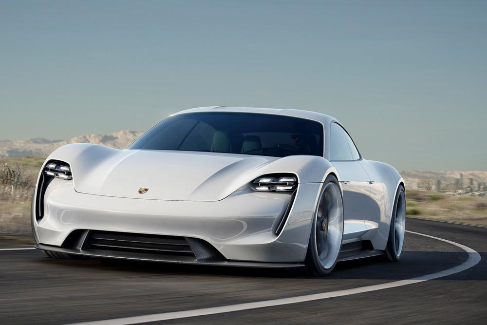 La future Mission E électrique en 402, 536 et 670 ch — Porsche