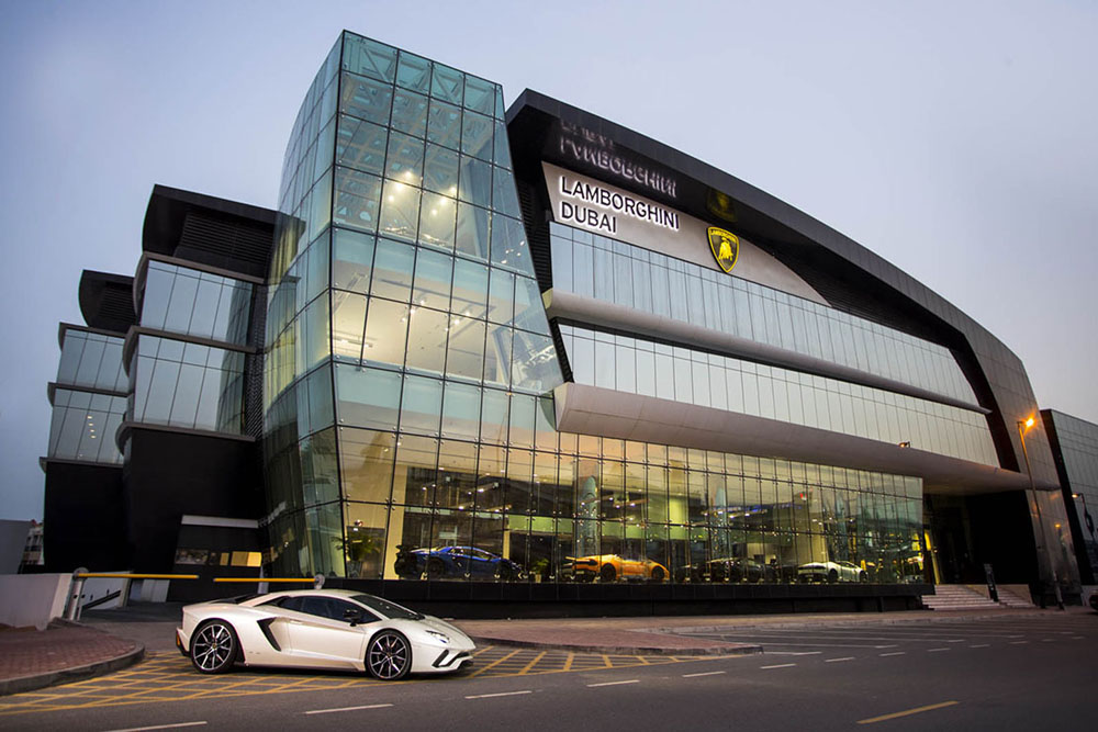 Lamborghini inaugure son plus grand showroom à Dubaï ...