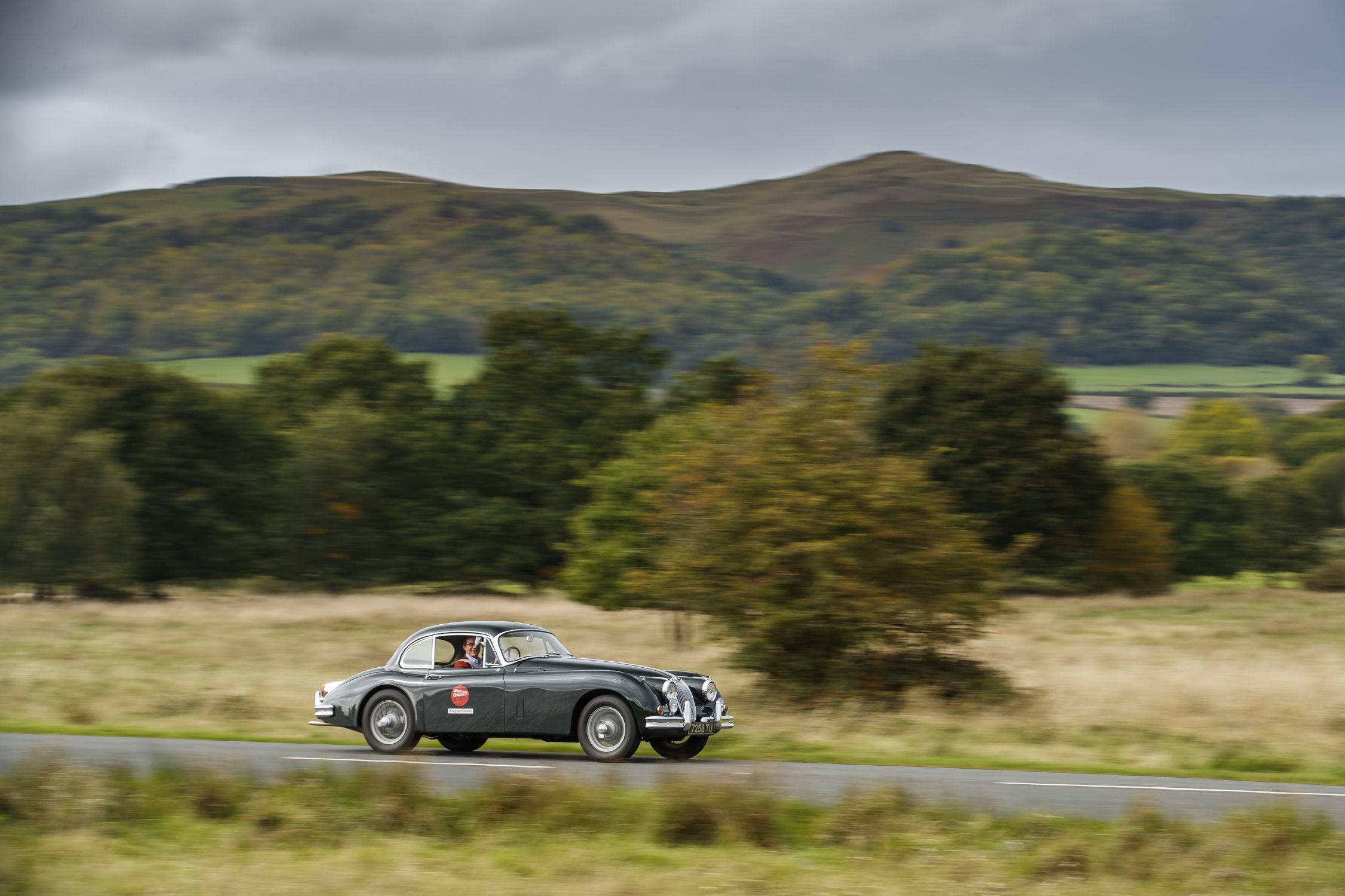 jlr classic nouveau stage de conduite eastnor castle actualit automobile motorlegend. Black Bedroom Furniture Sets. Home Design Ideas