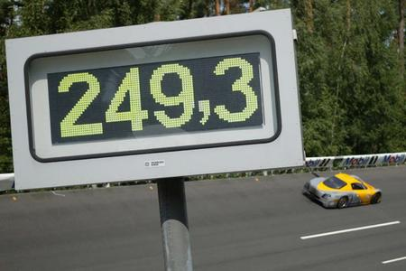 L'Opel ECO-Speedster bat 17 records internationaux
